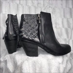 Sam Edelman Lucille Leather Stack Heel Ankle Boots